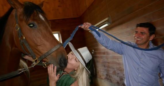 Raymi-horse-kiss1